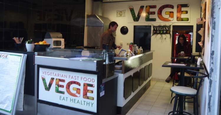 vege-fast-food-split-3
